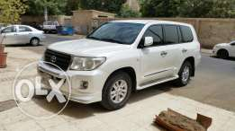 I want to sell Toyota Land Cruiser GX.R V6 Model 2011