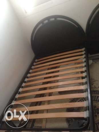 single bed 2 pics الرياض -  4