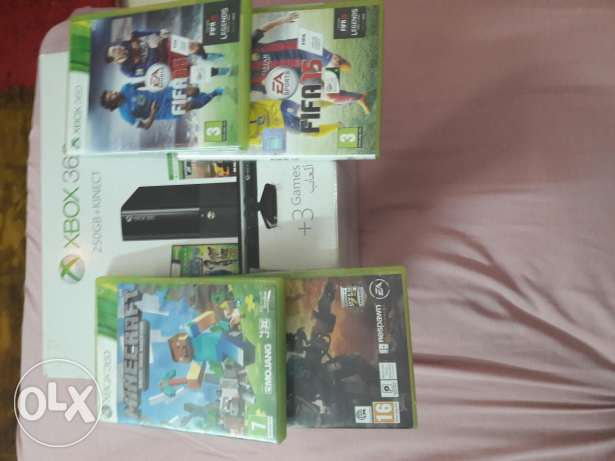 Xbox 360 with out kinect with 4 games