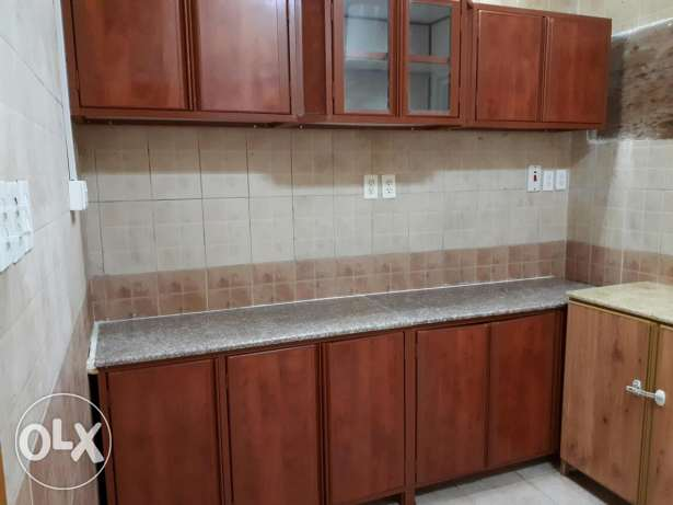Kitchen cabinet set and small cabinet