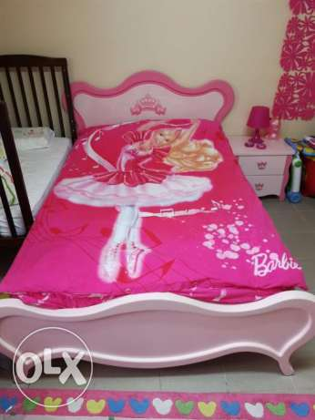 Bedroom for girls. excellent Condition. Pink color