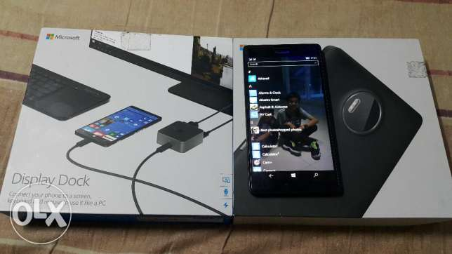 Lumia 950xl with dock
