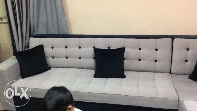 L Shaped 8-9 Seater Sofa Set in a new condition same as new. الرياض -  4