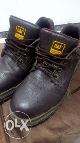 Safety Shoes Steel toe (CAT) slightly used