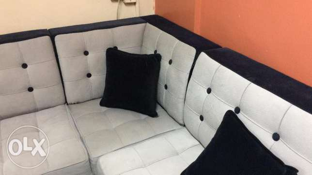 L Shaped 8-9 Seater Sofa Set in a new condition same as new. الرياض -  3