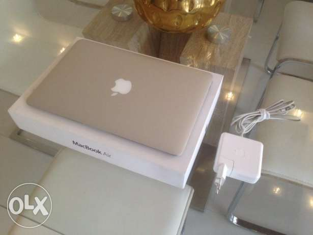 with full accessories Apple macbook Air 13.3 Inch with warranty البجادية -  1