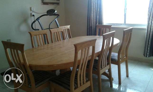 8 chairs Dinning table