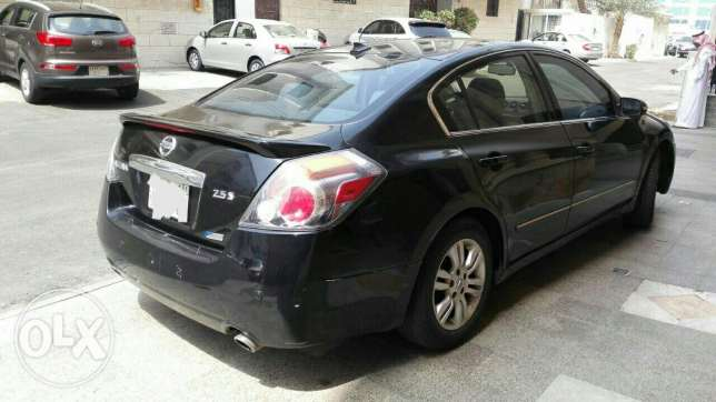 Full options very good condition Altima