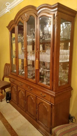 American Wood Dinning set - table, 10 chairs and cabinet جدة -  4