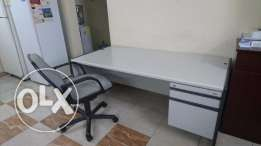 Office table set + 2 revolving chairs