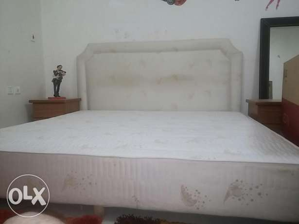 King size bed with 40 cm mattress wiz 2 side tables