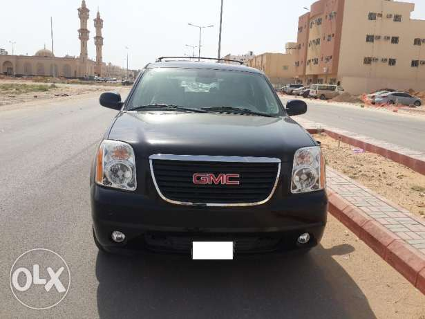 Excellent condition GMC Yukon 2011, 20840 KM ONLY very neat & cleann