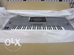 Yamaha Tyros 5 76-Key Note Arranger Workstation KeyBoard