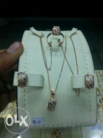 For sale 18k gold jewelry set