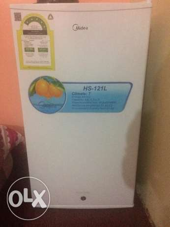 Midea 3.2 cu.ft Personal Refrigerator Almost New خميس مشيط -  1