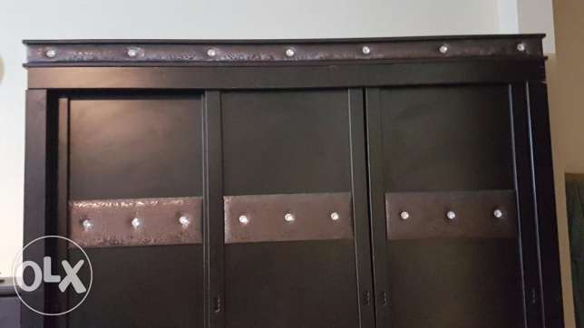 3URGENT sale for the wardrobe & chest of drawer
