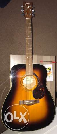 Yamaha Folk Guitar