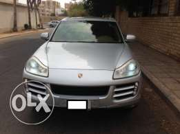 Porsche Cayenne 2009 - Full Options- SAMACO maintained
