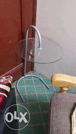 Round side glass table urgent clearance sale