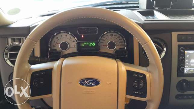 Ford Expedition XLT 2014, automatic, 45500 KM still under warranty الخبر -  6
