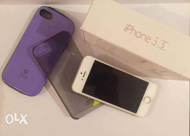 IPhone 5s gold 64 GB with FaceTime الرياض -  2