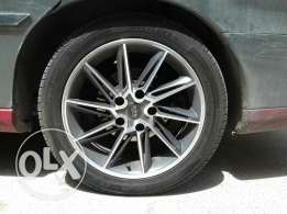17 inch sports rim 5 bolts with new low prifile tyres