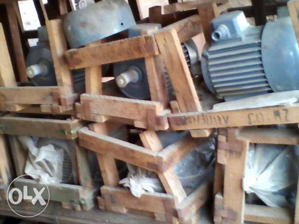 electric motor sale ittaly . romania 2hp . 3hp.5.5hp.7.5hp جدة -  3