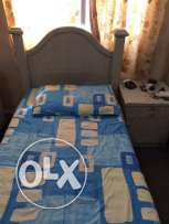 2 single cots with sidetable in excellent condition
