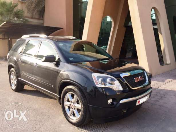 Black Acadia in Excellent Condition!