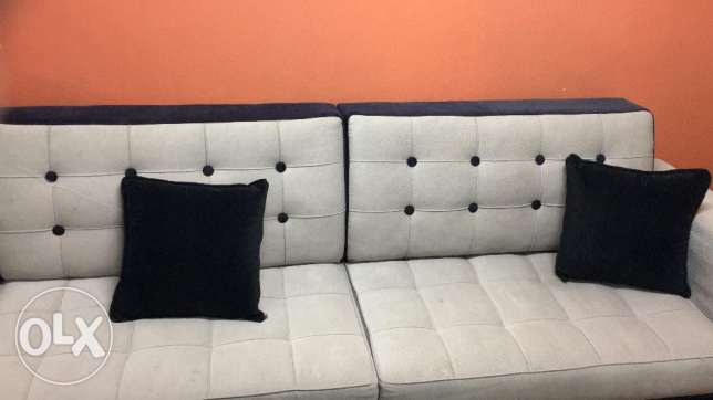 L Shaped 8-9 Seater Sofa Set in a new condition same as new. الرياض -  2