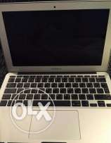 MACBOOK Air -Intel Core i5 - Ram 4GB - SSD 128 GB - 13 Inches* HD CAM