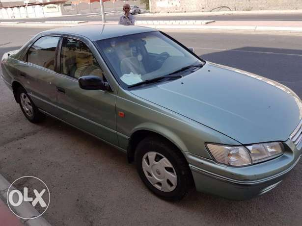 Toyota Camry 2001 xli executive; excellent condition; 280,000 kms