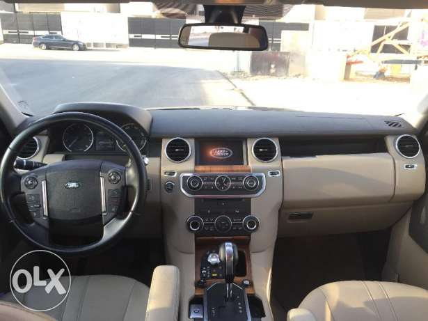 Very clean 2013 Land Rover LR4 HSE V8 for sale in amazing condition الرياض -  4