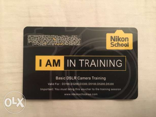 Nikon D5200 DSLR camera with many accessories and training voucher الرياض -  3
