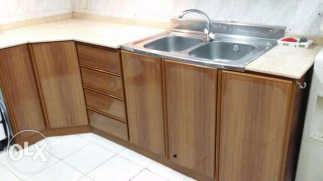 On kitchen cabinets jeddah