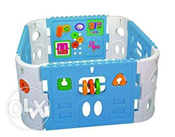 Assemble / Play / Playard / castle / baby / toddler / plastic toys