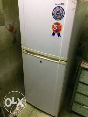 Samsung Two Door Fridge (137 CM) in very good condition