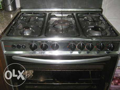 Cooking range with 5 burners الخبر -  2