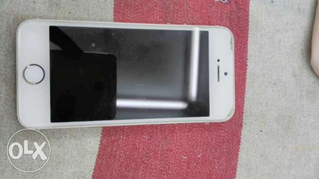 I phone 5s gold color الدمام -  1