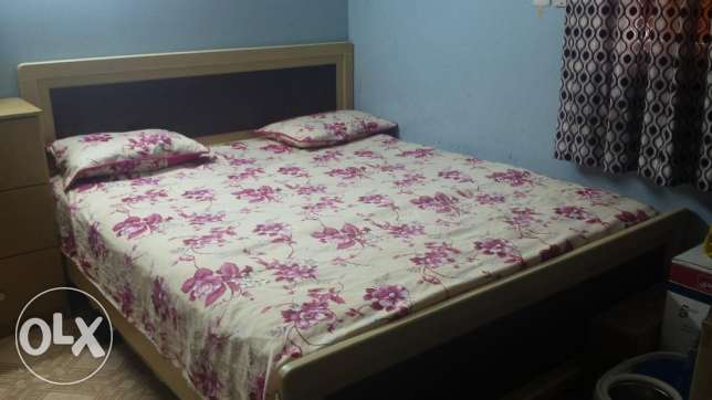 King Sized Bed in EXCELLENT condition