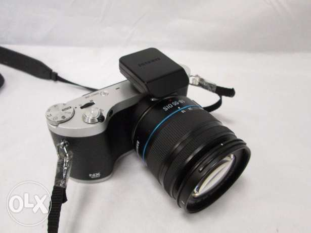 Samsung NX300M 20.3MP CMOS Smart WiFi & NFC Mirrorless Digital Camera