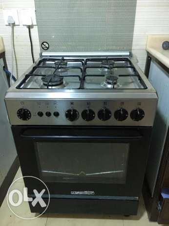 German Stove 4 Burners very good condition throw away price leaving on