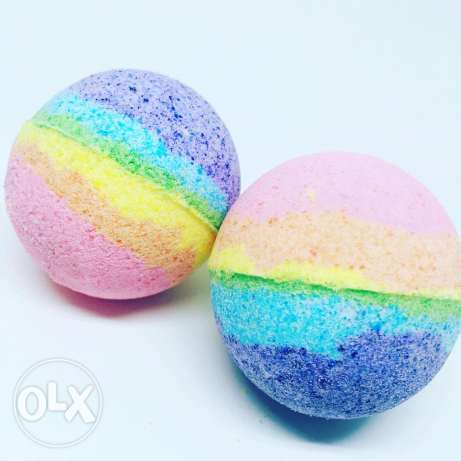 Rainbow bathbombs