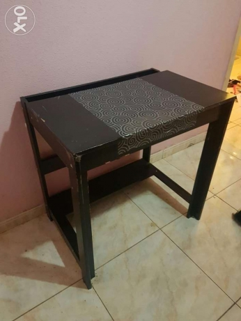 IKEA Revolving office chair/ IKEA Table الرياض -  2