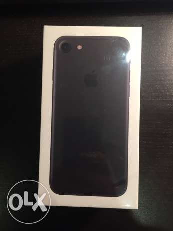 apple iPhone 7 black 128g sealed جدة -  1