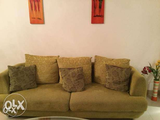 Grab a funky Green 6 seater Dimos Sofa set 3+2+1