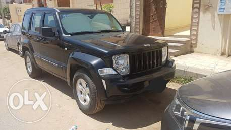 jeep cherokee liberty 2010 (KK)
