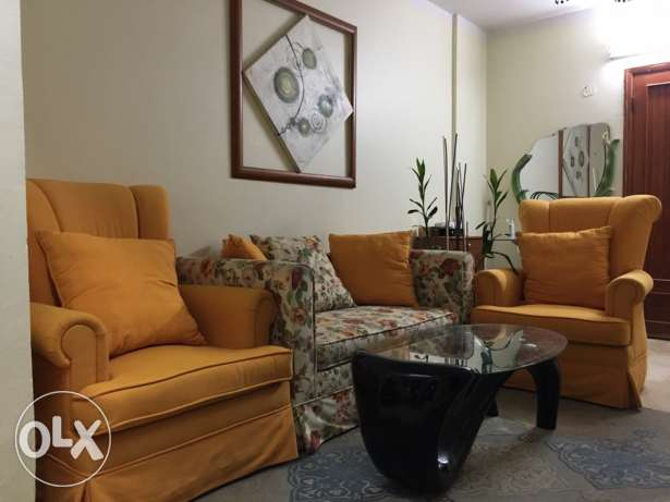 two seat Sofa with two armchair الرياض -  1