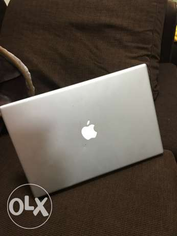 neatly used original apple MacBook