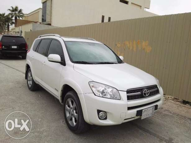 Toyota Rav4 Limited Edition 2012 - Good condition vehicle ( White)